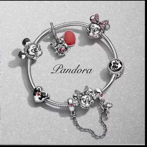 Pandora Disney Minnie Bracelet+6 Disney Charms Set
